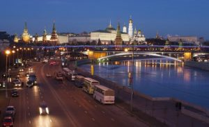 Как пропускают в мире и в России машины специальных служб